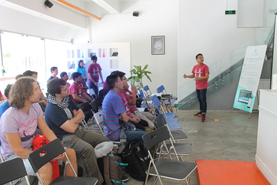 Designveloper with Give project at AngelHack Ho Chi Minh 2016 Hackathon