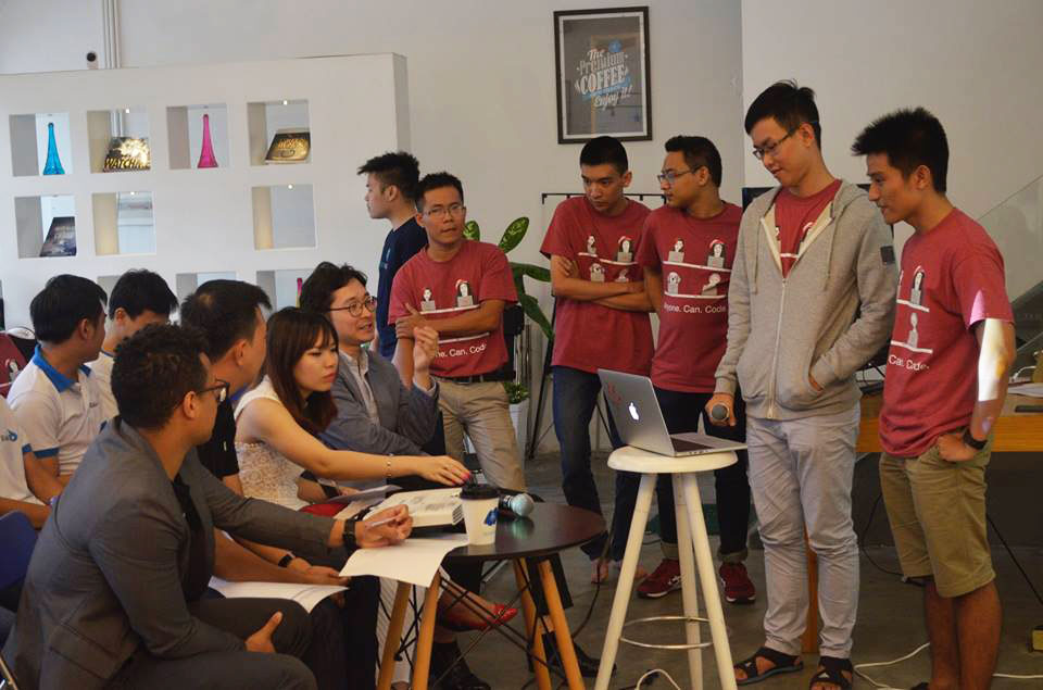Designveloper with Give at AngelHack Ho Chi Minh 2016 Hackathon